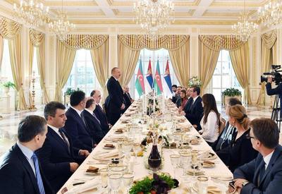 """От имени Президента Ильхама Алиева был устроен официальный прием в честь Президента Сербии <span class=""""color_red"""">- ФОТО</span>"""