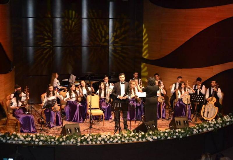 """В Центре мугама состоялся концерт Национального камерного ансамбля АзТВ <span class=""""color_red"""">- ФОТО</span>"""