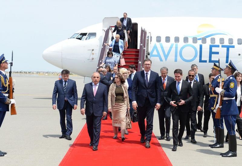 """Президент Сербии прибыл с официальным визитом в Азербайджан <span class=""""color_red"""">- ФОТО</span>"""