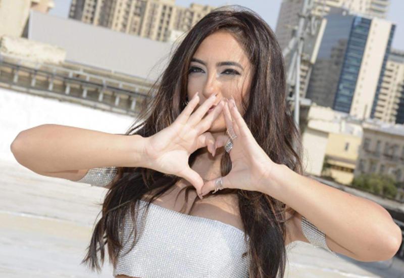 """Всемирно известная певица Seeya сняла новый клип в Баку <span class=""""color_red"""">- ВИДЕО</span>"""