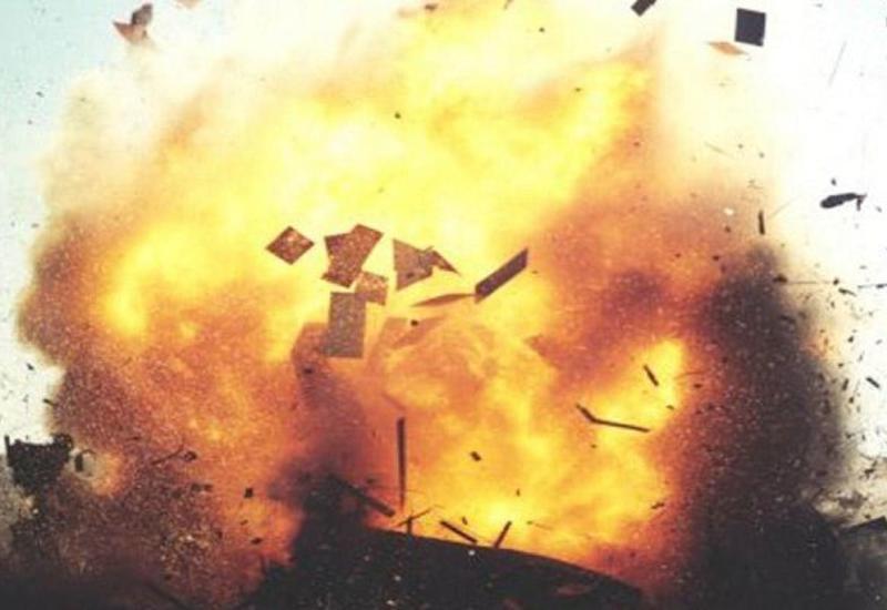 Сильный пожар в Баку, есть погибший