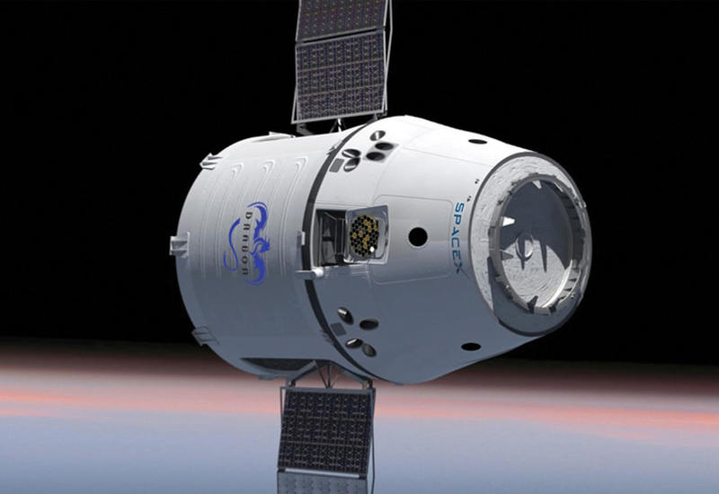 Глава SpaceX  представил пилотируемую версию Dragon