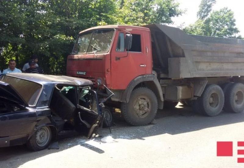 """Тяжелое ДТП в Лянкяране, есть пострадавшие <span class=""""color_red"""">- ФОТО</span>"""