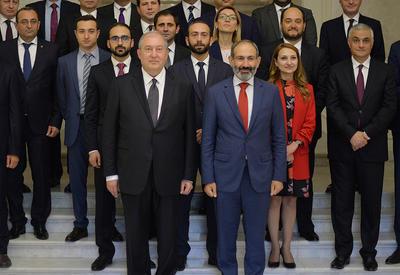 """""""Внутриполитический винегрет"""": Армения вязнет в болоте проблем"""