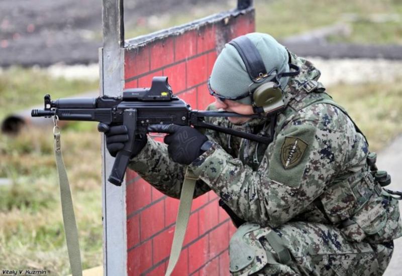 """""""Калашников"""" показал пистолет-пулемет """"Витязь"""" <span class=""""color_red"""">- ВИДЕО</span>"""
