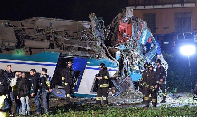 В Италии поезд протаранил грузовик, есть погибшие и много раненых