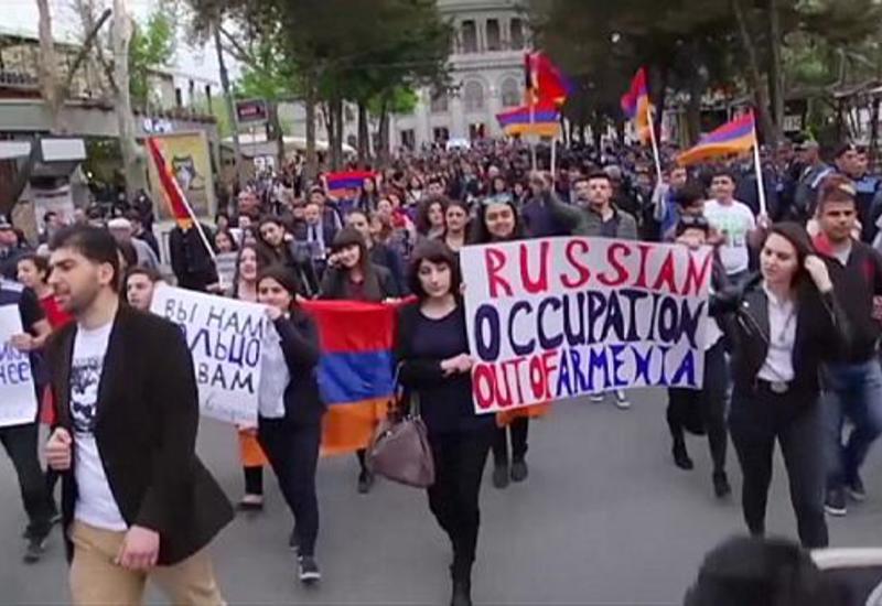 Антироссийская истерия в Армении набирает обороты