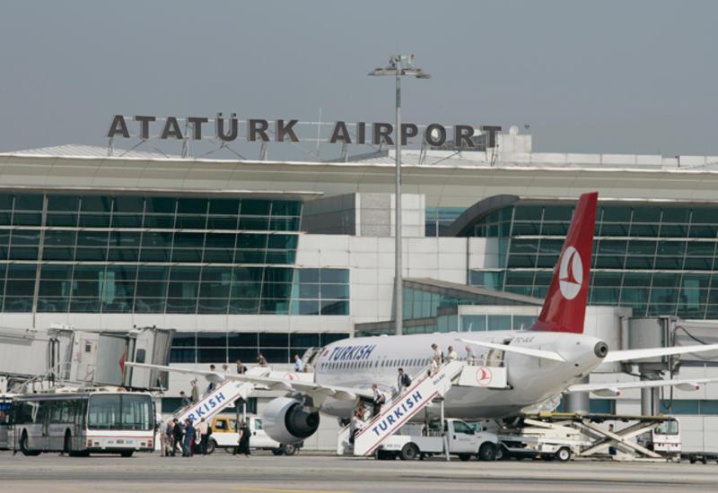 """В стамбульском аэропорту возникли проблемы с посадкой самолетов <span class=""""color_red"""">- ПОДРОБНОСТИ</span>"""