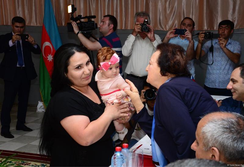 """Гюндюз Бабаева: Распоряжение о помиловании Президента Ильхама Алиева позволило мне вернуться к детям <span class=""""color_red"""">- ФОТО</span>"""
