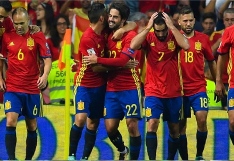 Сборную Испании по футболу обвинили в употреблении допинга