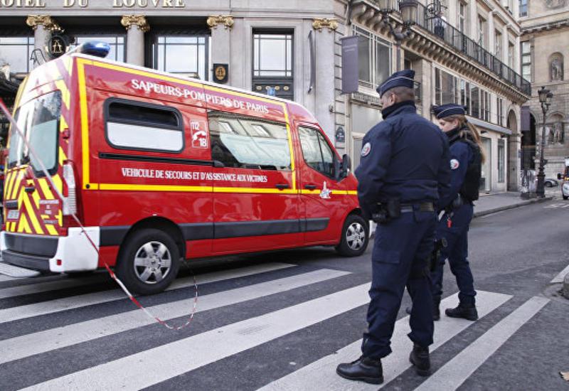 """В Париже малиец спас ребенка от падения из окна <span class=""""color_red"""">- ВИДЕО</span>"""