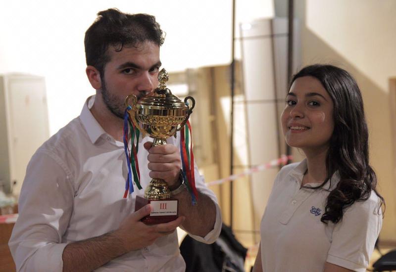 В Баку состоялся фестиваль КВН на азербайджанском языке