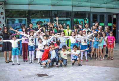 """Park Cinema во Flame Towers  устроил  праздник для воспитанников детских домов <span class=""""color_red"""">- ФОТО</span>"""