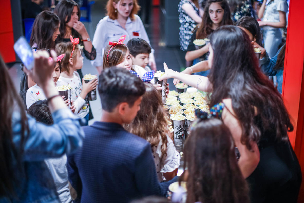 Park Cinema во Flame Towers  устроил  праздник для воспитанников детских домов