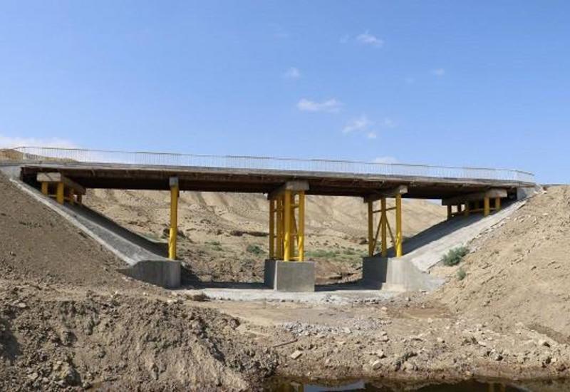 В Азербайджане восстановлен разрушенный селями мост