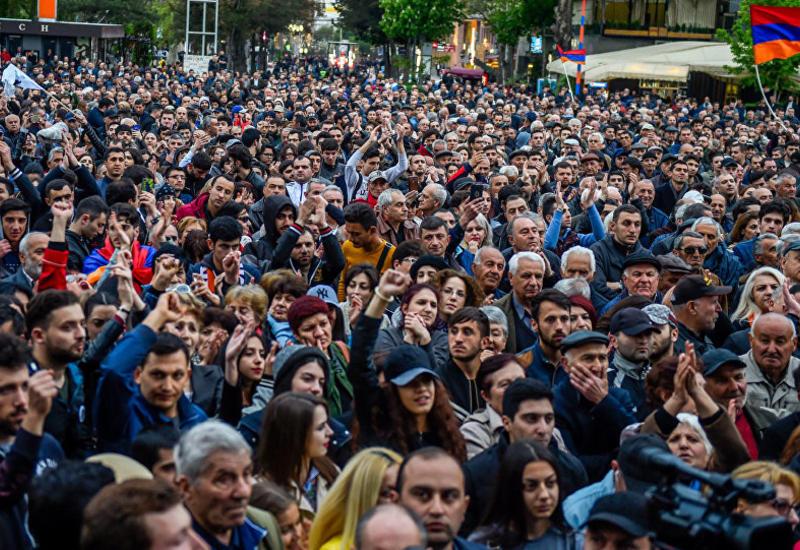 Российский эксперт спрогнозировал серьезное охлаждение в отношениях Армении и РФ