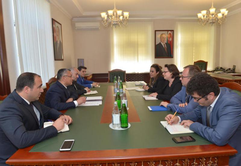 Германия приступила к исполнению в Азербайджане нового проекта по вынужденным переселенцам