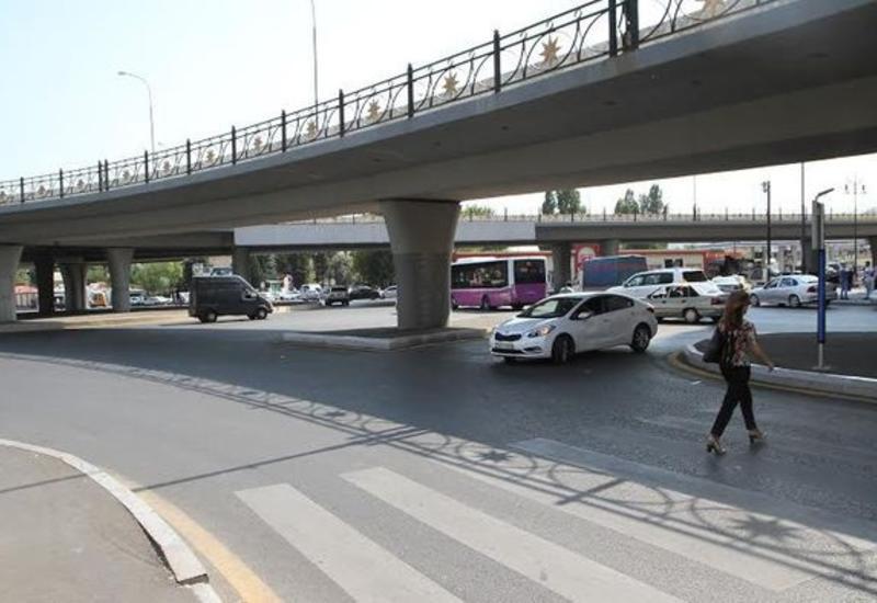 В двух микрорайонах Баку изменено движение транспорта