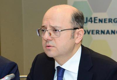 Парвиз Шахбазов: ОПЕК может обсудить смягчение политики по снижению добычи нефти