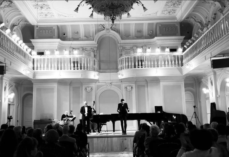 Музыка Вагифа Мустафазаде в исполнении Риада Мамедова поразила московскую публику