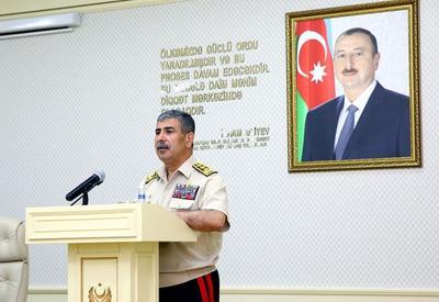 """Министр обороны: «Наша армия должна быть готовой в любой момент пресечь провокацию противника» <span class=""""color_red"""">- ФОТО</span>"""