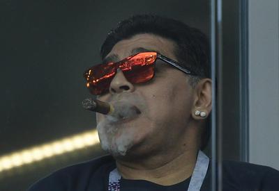 Марадона рвался на разборки с Месси, его задержала полиция