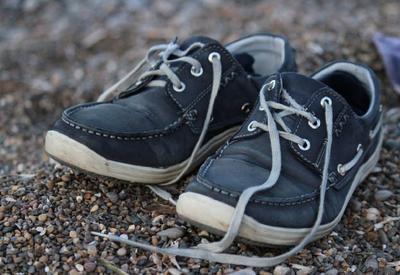 Физики выяснили, почему развязываются шнурки