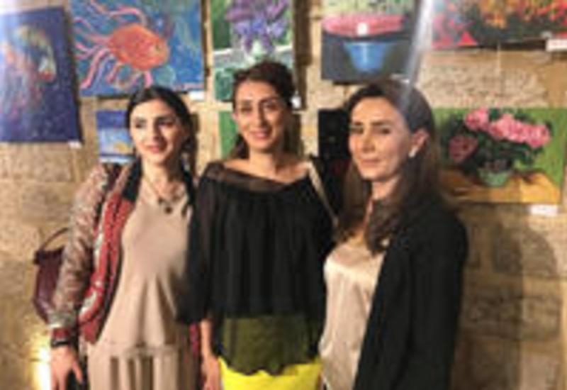 """Юные таланты радуют посетителей Ичеришехер <span class=""""color_red"""">- ФОТО</span>"""