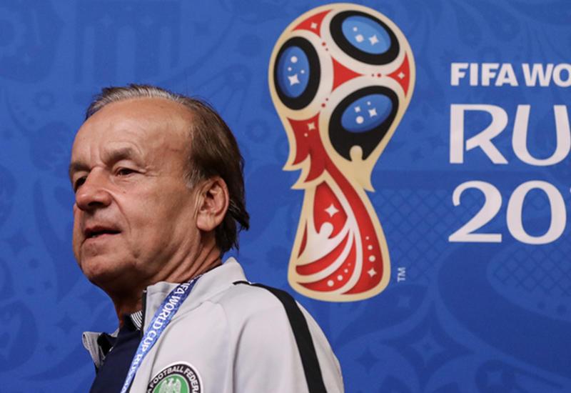 Нигерийским футболистам не запрещали общаться с россиянками