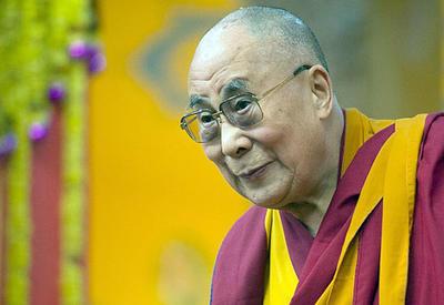Далай-лама рассказал, как избавиться от страданий