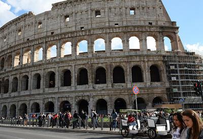 Подросток из Австрии попытался украсть фрагмент Колизея в Риме