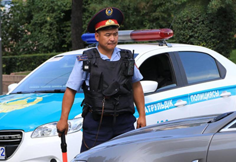 В Казахстане автомобиль въехал в толпу людей, есть пострадавшие