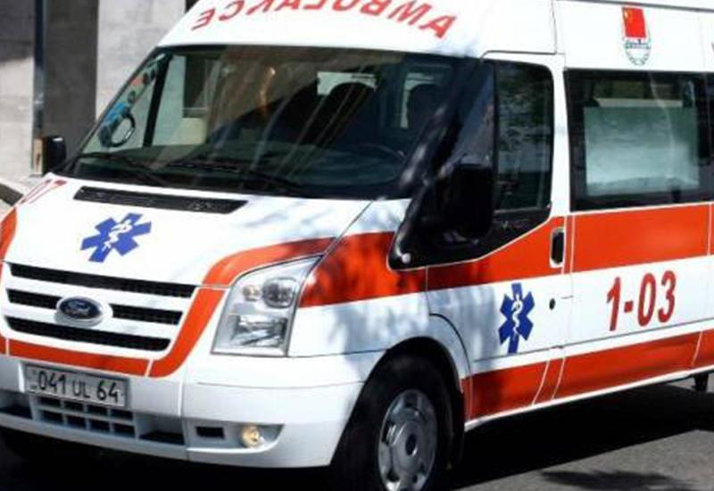 В Армении перевернулся армейский грузовик, много пострадавших