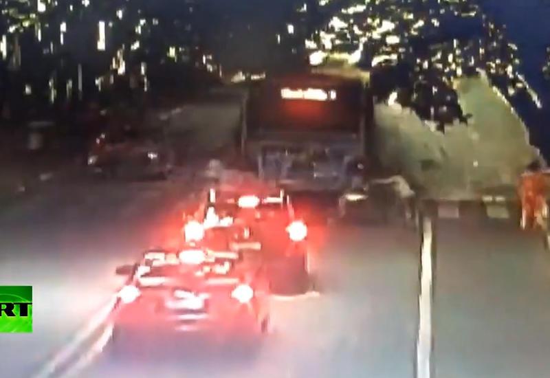 """В Китае взорвался автобус: пострадали 15 человек <span class=""""color_red"""">- ВИДЕО</span>"""