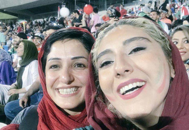 İranda qadınların stadionda futbola baxmasına icazə verilib