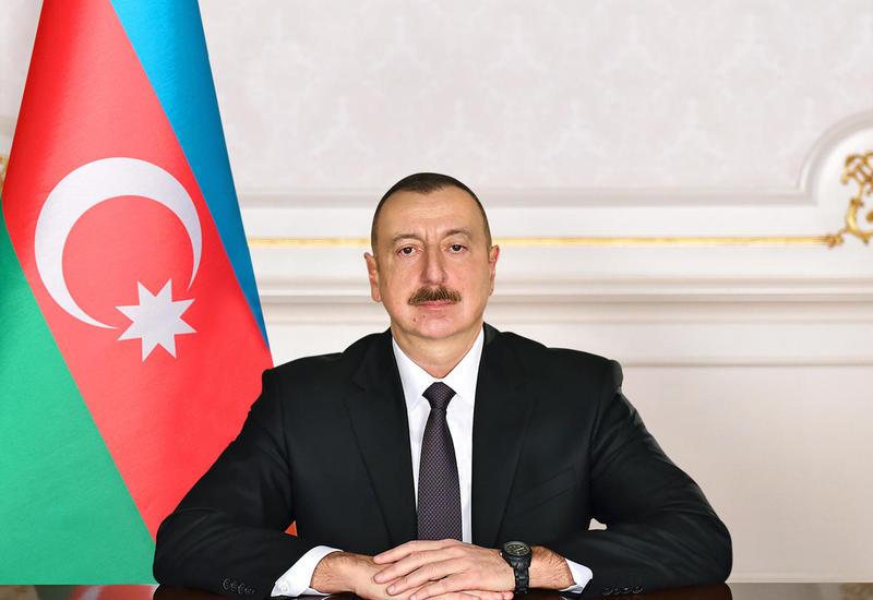 Президент Ильхам Алиев поздравил египетского коллегу