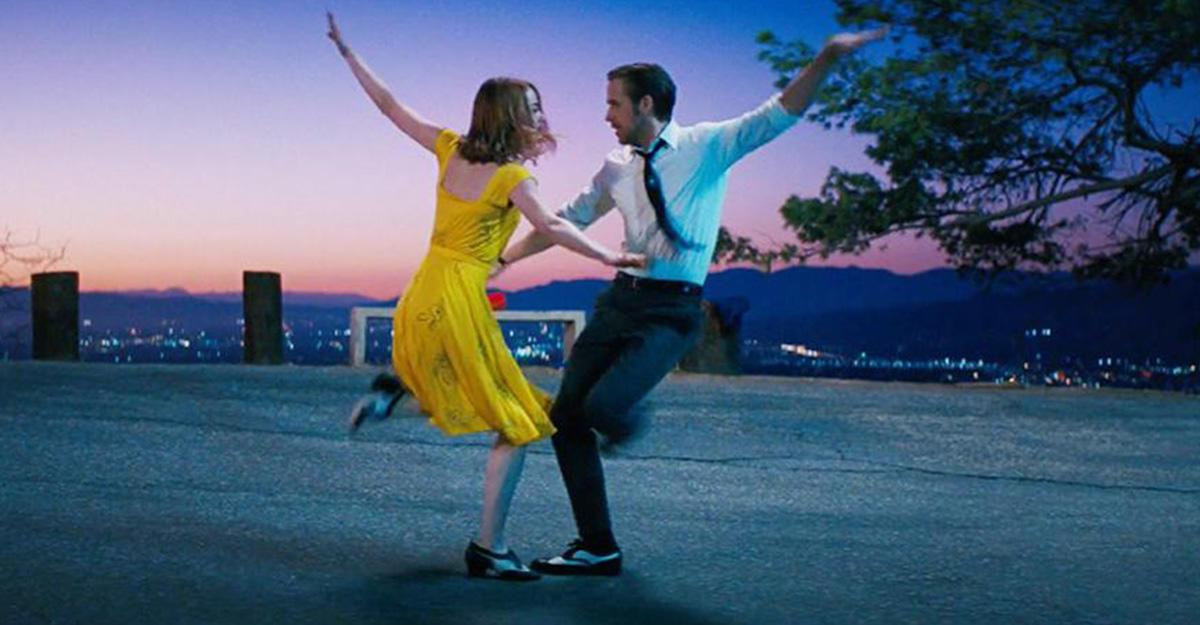 Видеоролик станцами из300 фильмов набрал миллионы просмотров вweb-сети интернет