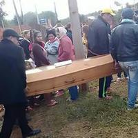 """Молодой человек пришел на собственные похороны <span class=""""color_red"""">- ВИДЕО</span>"""