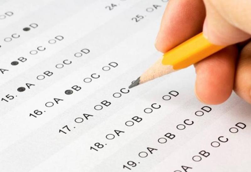 В Азербайджане проходят выпускные экзамены