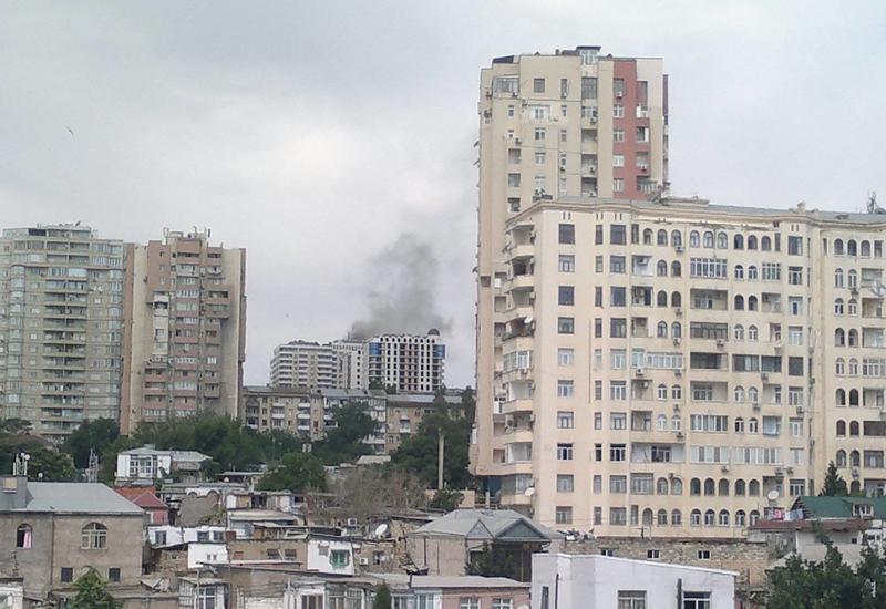 В Баку произошел пожар в жилом здании