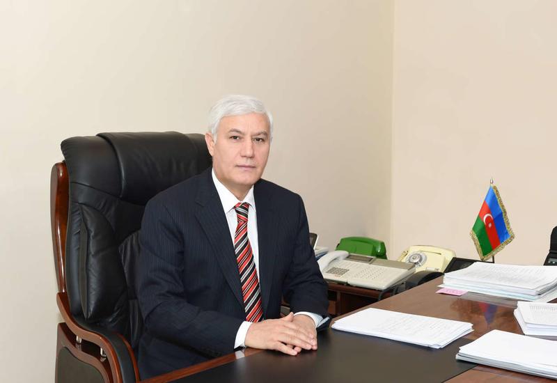 Сулейман Исмайлов: Госслужащие составляют незначительную часть занятого населения Азербайджана