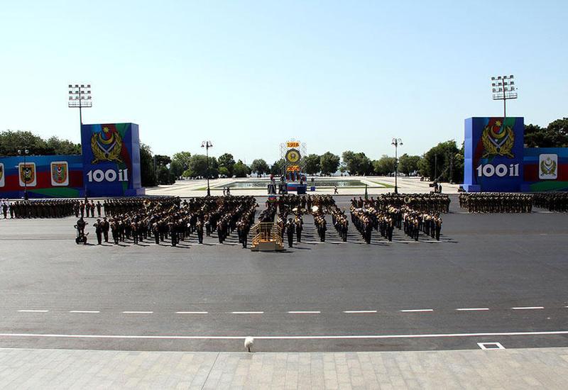 Стало известно, сколько военнослужащих примут участие в военном параде в Баку