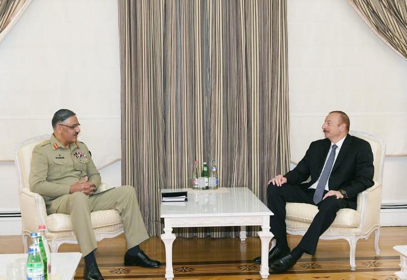 Президент Ильхам Алиев: Азербайджан заинтересован в приобретении военной техники у Пакистана