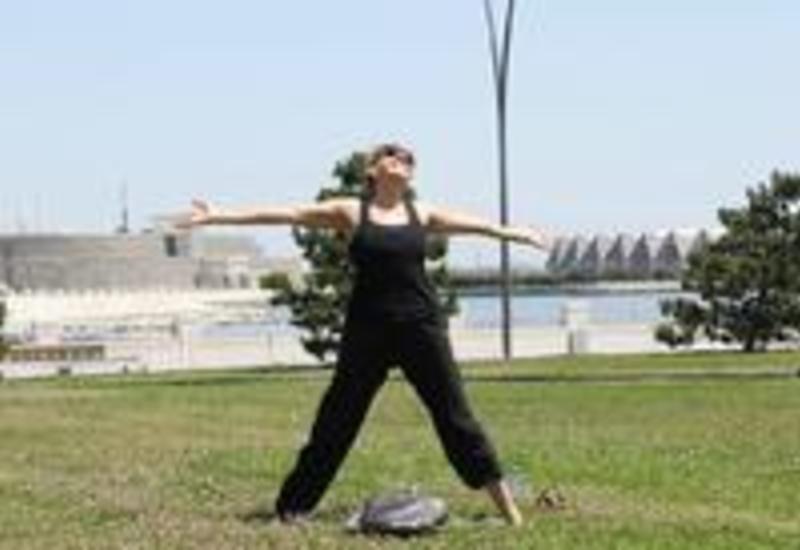 """Йога на открытом воздухе - масштабный Фестиваль в Баку <span class=""""color_red"""">- ФОТО</span>"""