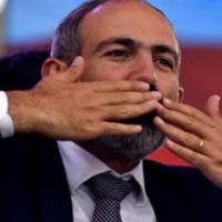 """Американский экономист затребовал за """"спасение"""" Армении крупную сумму"""