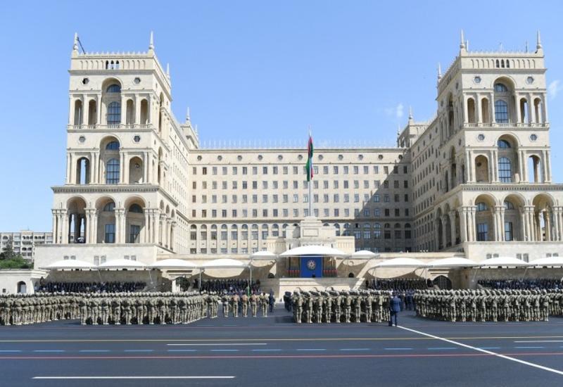 Военный парад в Баку показал готовность Азербайджана к любым угрозам