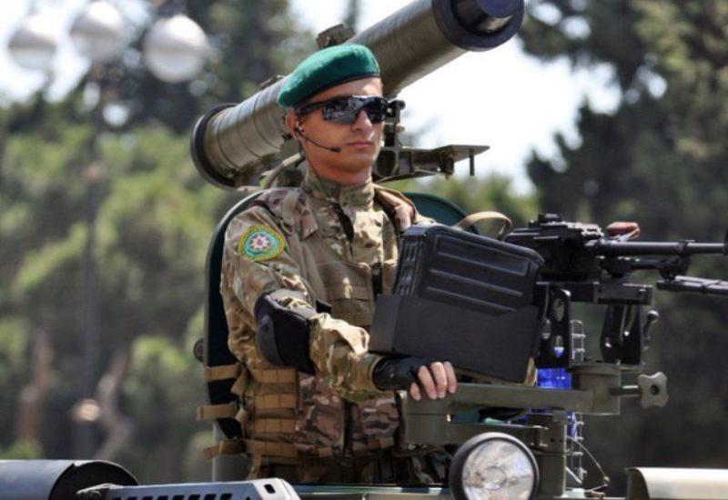 В Азербайджане вводится военное положение