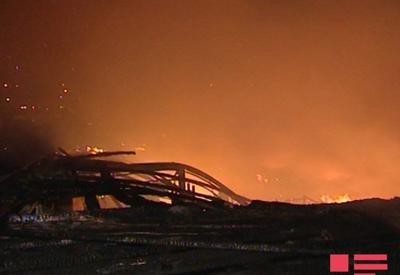 """В Баку произошел сильный пожар <span class=""""color_red"""">- ФОТО - ВИДЕО</span>"""