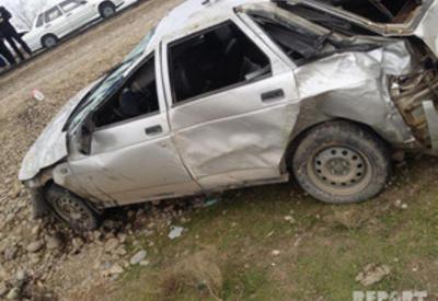 В Кюрдемире перевернулся автомобиль, есть пострадавшие