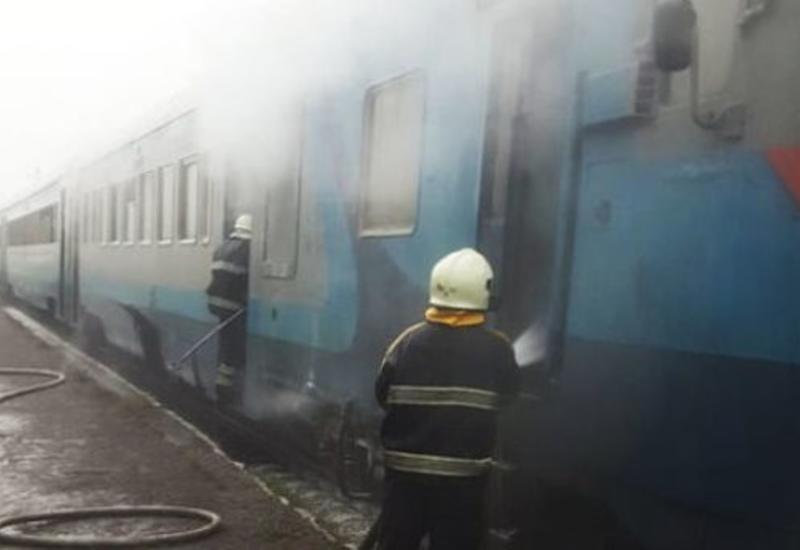 В Украине cгорел поезд: люди выпрыгивали из окон